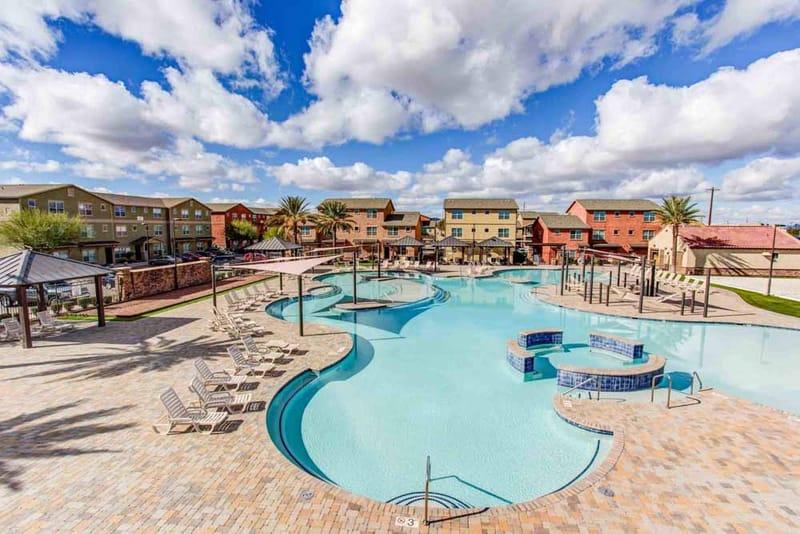 The-Retreat--Tucson-AZ-Swimming-Pool-Unilodgers