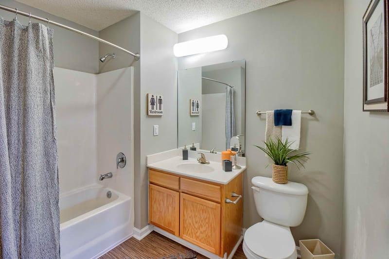 The-Social-Auburn-AL-Bathroom-Unilodgers