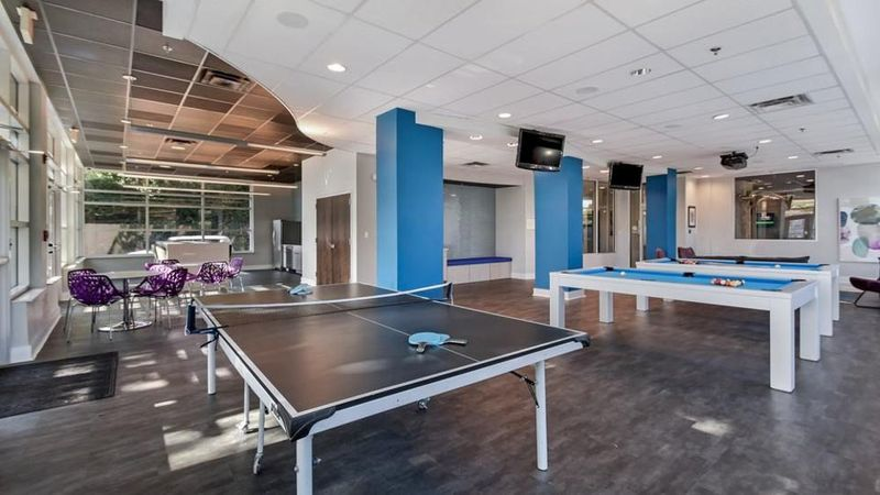 The-Social-Knoxville-TN-Games-Room-Unilodgers