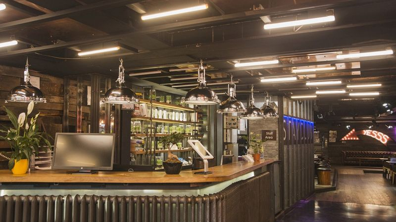 The-Stay-Club-Camden-London-Lobby-2-Unilodgers-1498828029