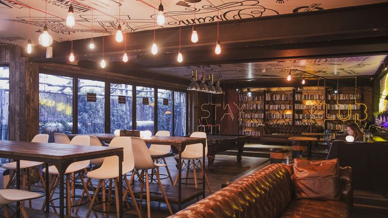 The-Stay-Club-Camden-London-Lobby-3-Unilodgers-1498828055