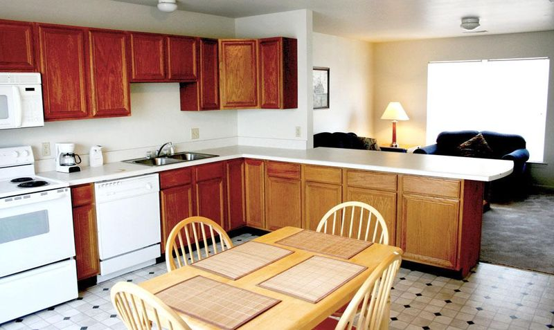 The-Verge-Indiana-PA-Kitchen-Unilodgers