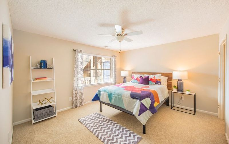 The-Whitley-Apartments-Central-SC-Bedroom-Unilodgers