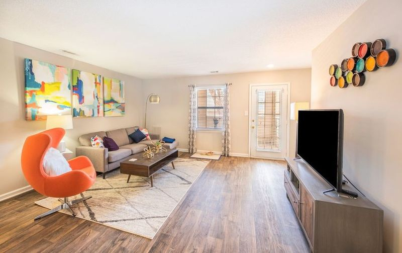 The-Whitley-Apartments-Central-SC-Living-Room-Unilodgers