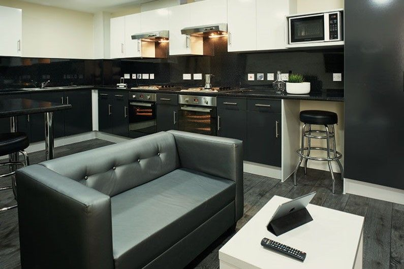 Ty-Willis-House-Bangor-Shared-Kitchen-Unilodgers