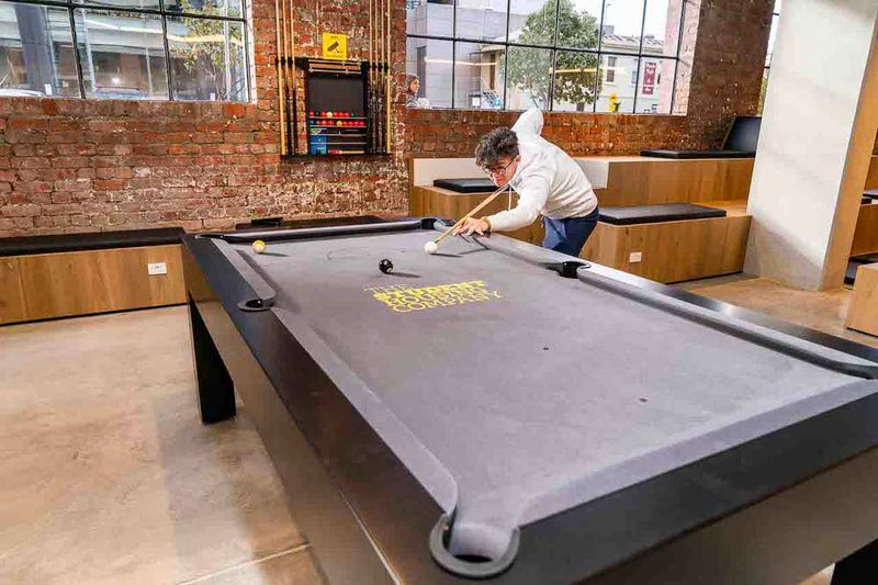 University-Square-Melbourne-Pool-Table-Unilodgers
