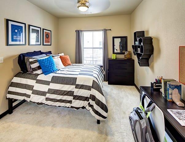 Vistas-San-Marcos-Bedroom-Unilodgers
