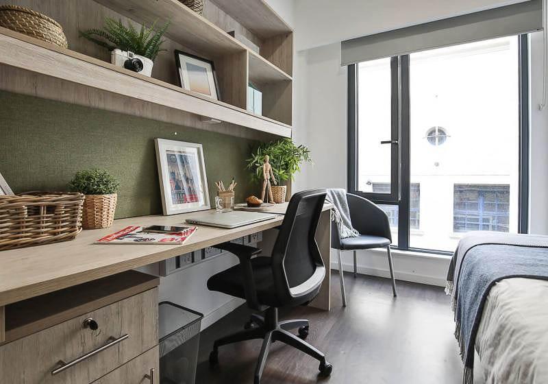 iQ-Bloomsbury-House-London-Silver-En-Suite-1-Unilodgers