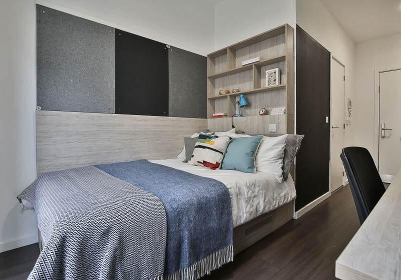 iQ-Bloomsbury-House-London-Silver-En-Suite-3-Unilodgers
