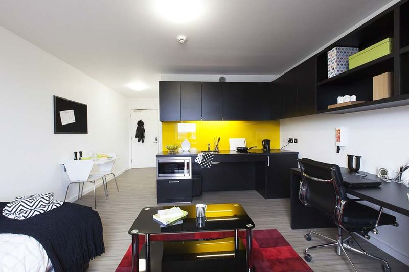 iQ-Hammersmith-London-Kitchen-1-Unilodgers