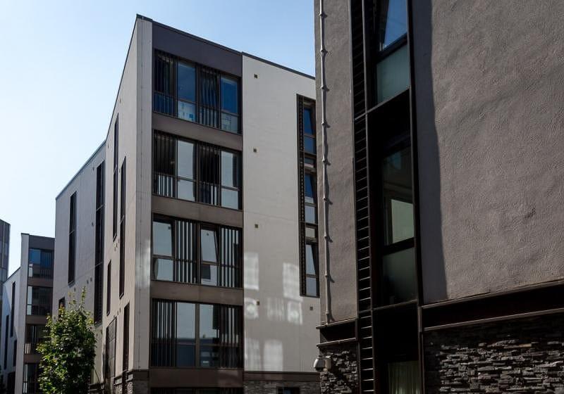 iQ-Magenta-House-London-Exterior-1-Unilodgers