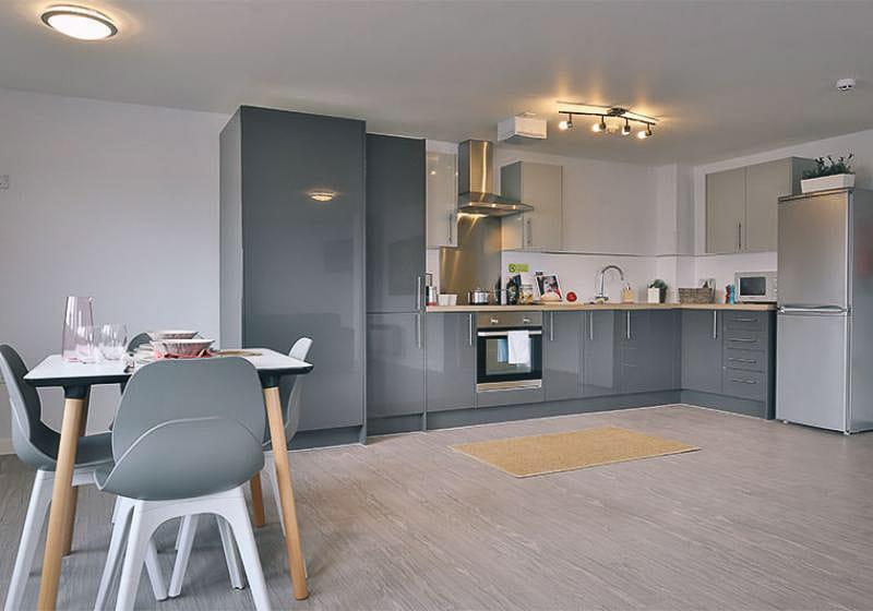 iQ-Magenta-House-London-Silver-En-Suite-Plus-Shared-Kitchen-1-Unilodgers