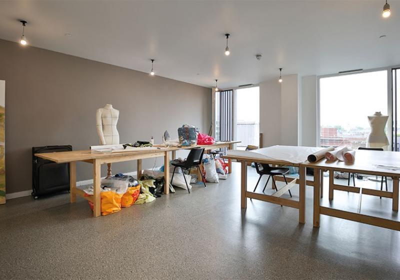 iQ-Shoreditch-London-Art-Studio-Unilodgers