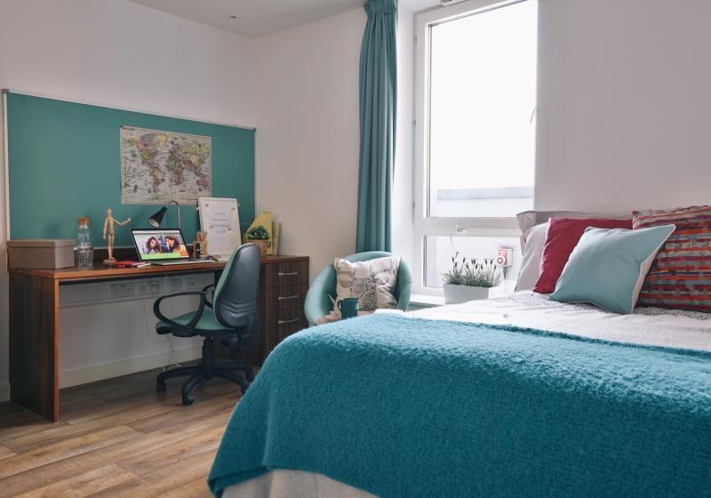 iQ-Shoreditch-London-Platinum-Penthouse-Premium-2-Unilodgers