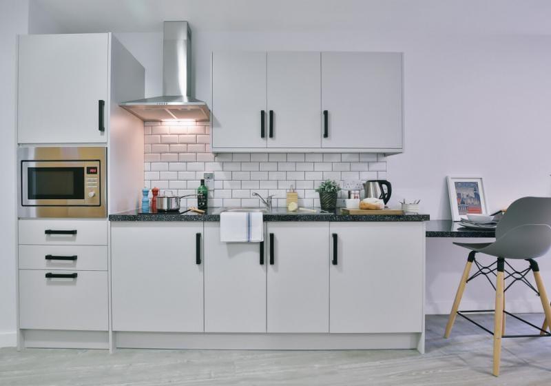 iQ-Shoreditch-London-Platinum-Studio-Plus-Kitchen-Unilodgers