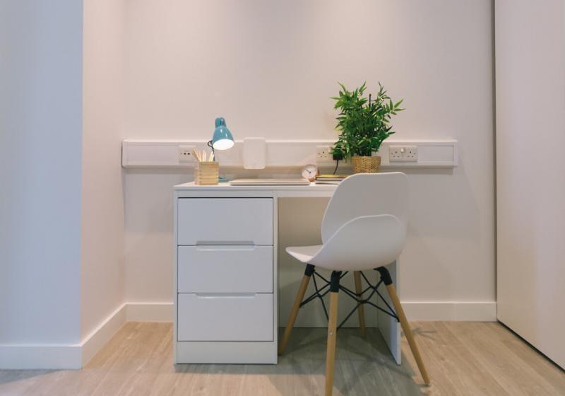 iQ-Shoreditch-London-Platinum-Studio-Plus-Study-Space-Unilodgers