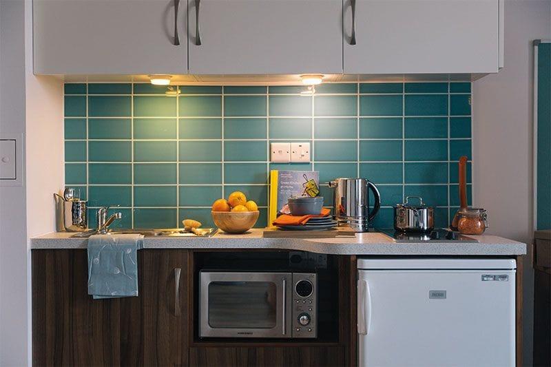 iQ-Shoreditch-London-Studio-Kitchen-Unilodgers