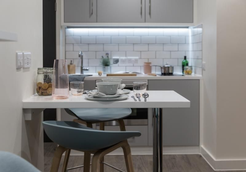 iQ-Shoreditch-London-Two-Bedroom-Apartment-Shared-Kitchen-1-Unilodgers