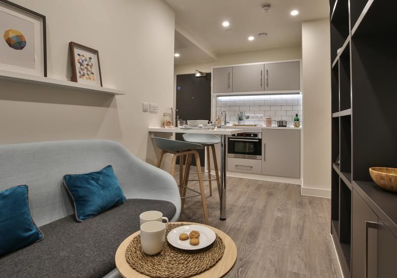 iQ-Shoreditch-London-Two-Bedroom-Apartment-Shared-Living-Area-Unilodgers