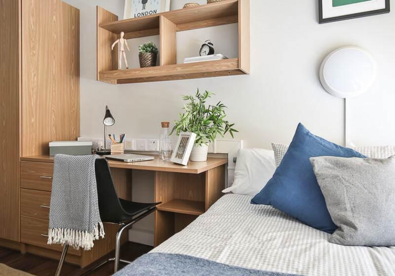 iQ-Tufnell-House-London-Bronze-En-Suite-3-Unilodgers