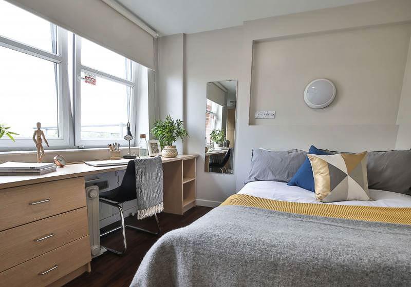 iQ-Tufnell-House-London-Bronze-Studio-2-Unilodgers