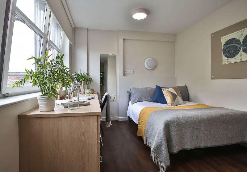 iQ-Tufnell-House-London-Bronze-Studio-Unilodgers