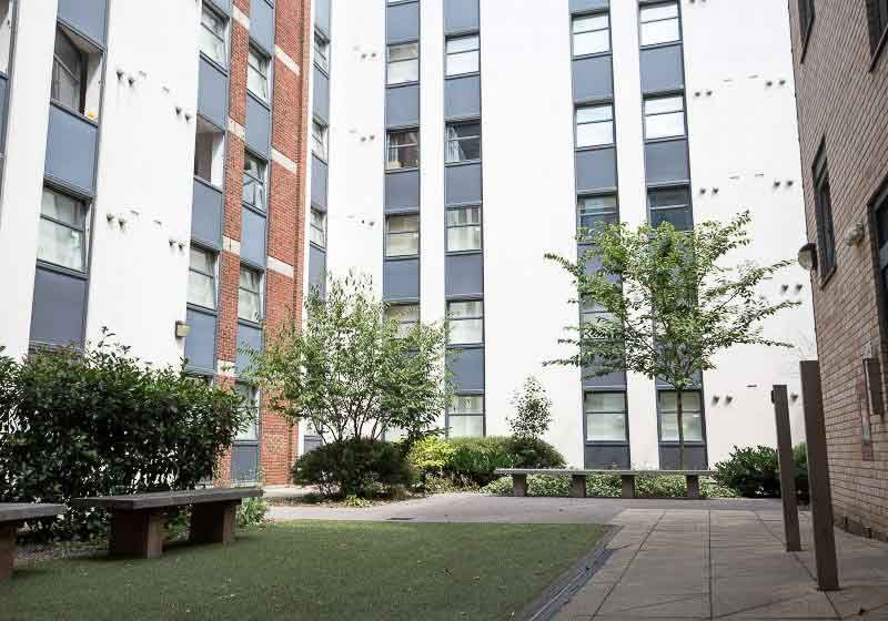 iQ-Tufnell-House-London-Courtyard-Unilodgers