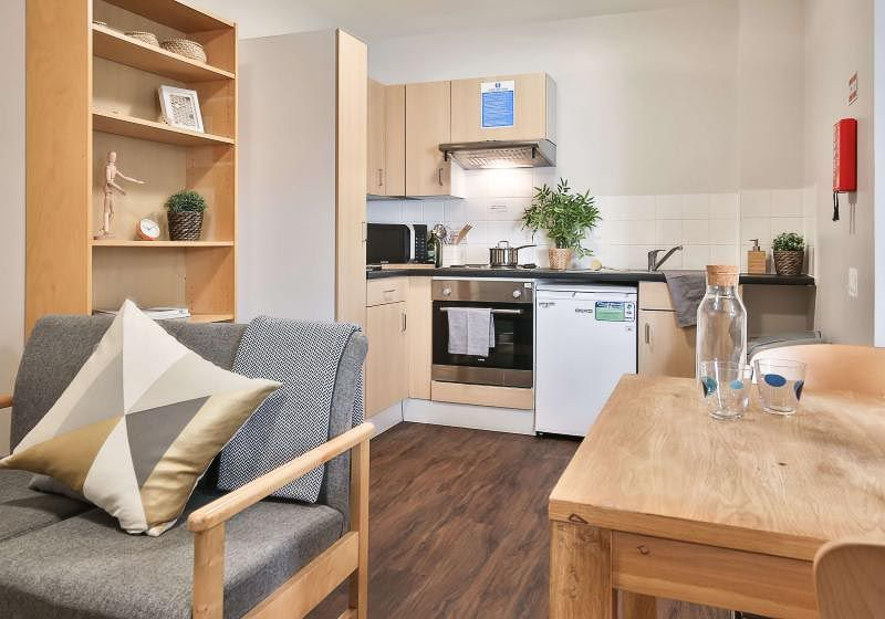 iQ-Tufnell-House-London-Platinum-One-Bed-Shared-Kitchen-3-Unilodgers