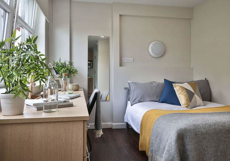 iQ-Tufnell-House-London-Silver-Studio-1-Unilodgers