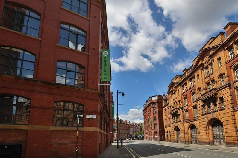 iQ-Warehouse-One-And-Two-Manchester-Exterior-Unilodgers