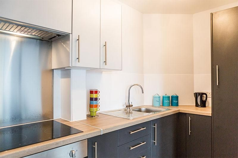 iQ-Wilmslow-Park-House-Manchester-One-Bed-Kitchen-Unilodgers