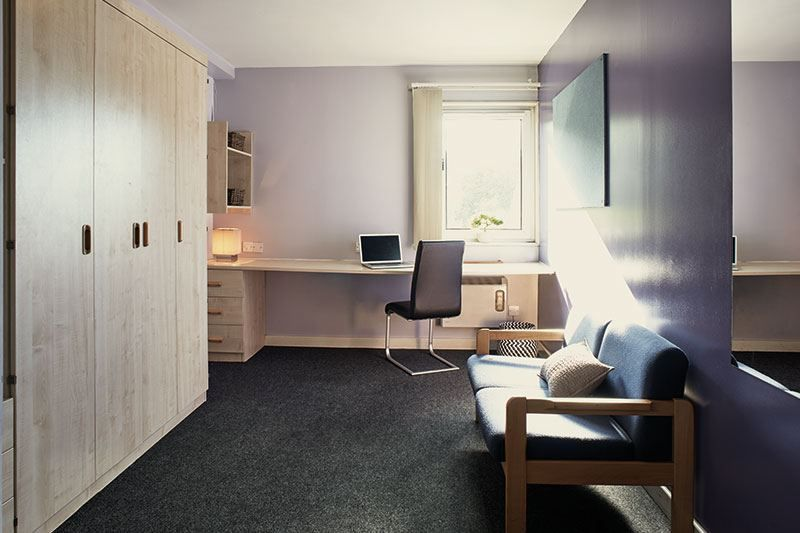 iQ-Wilmslow-Park-House-Manchester-Studio-Unilodgers