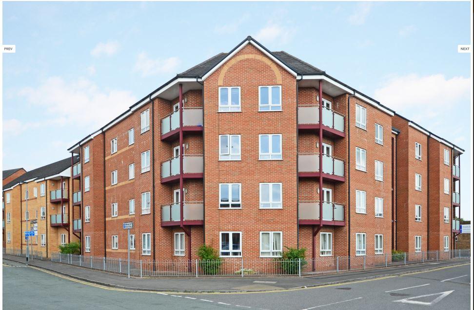 Hassells-Bridge-Apartments-New-castle-under-Lyme-UK-Building-Unilodgers