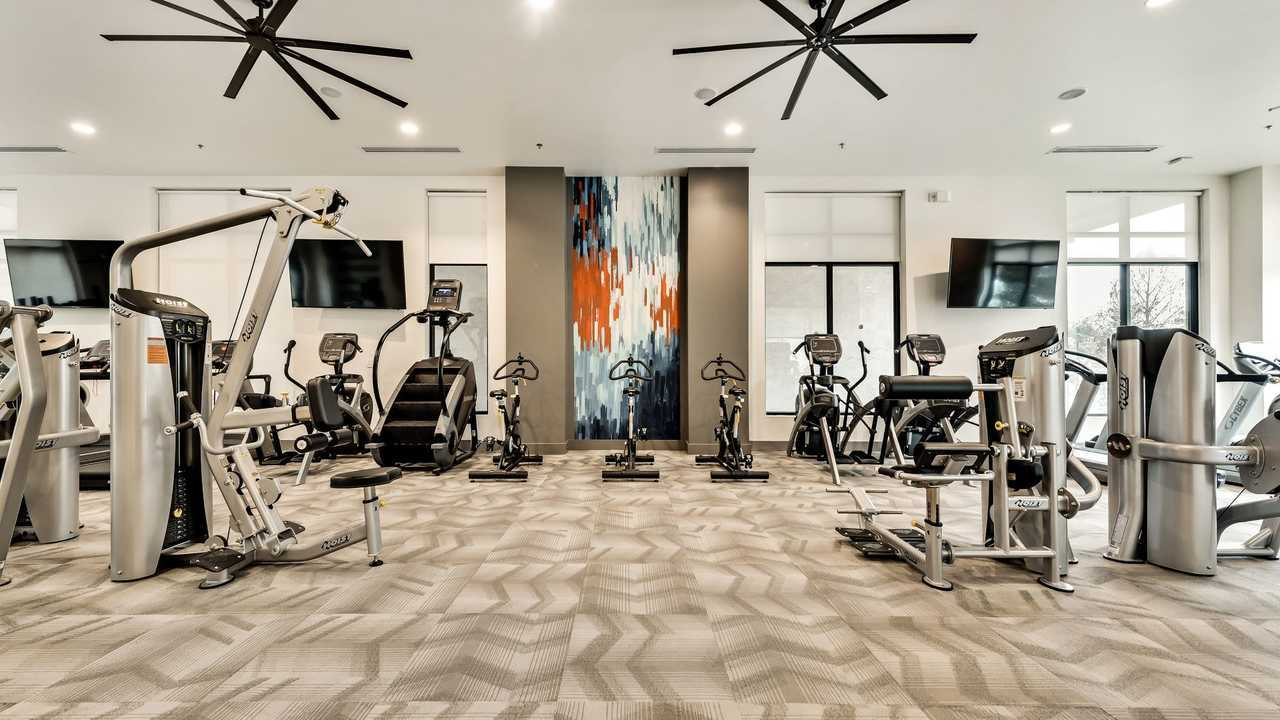 101-Center-Arlington-TX-Gym-Unilodgers