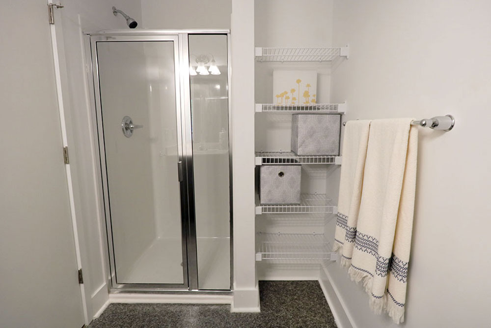 1301-Hillsborough-Raleigh-NC-Bathroom-Unilodgers