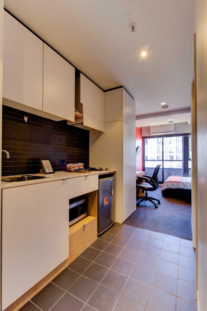 131PelhamStreetCarlton-Melbourne-Kitchen1-Unilodgers