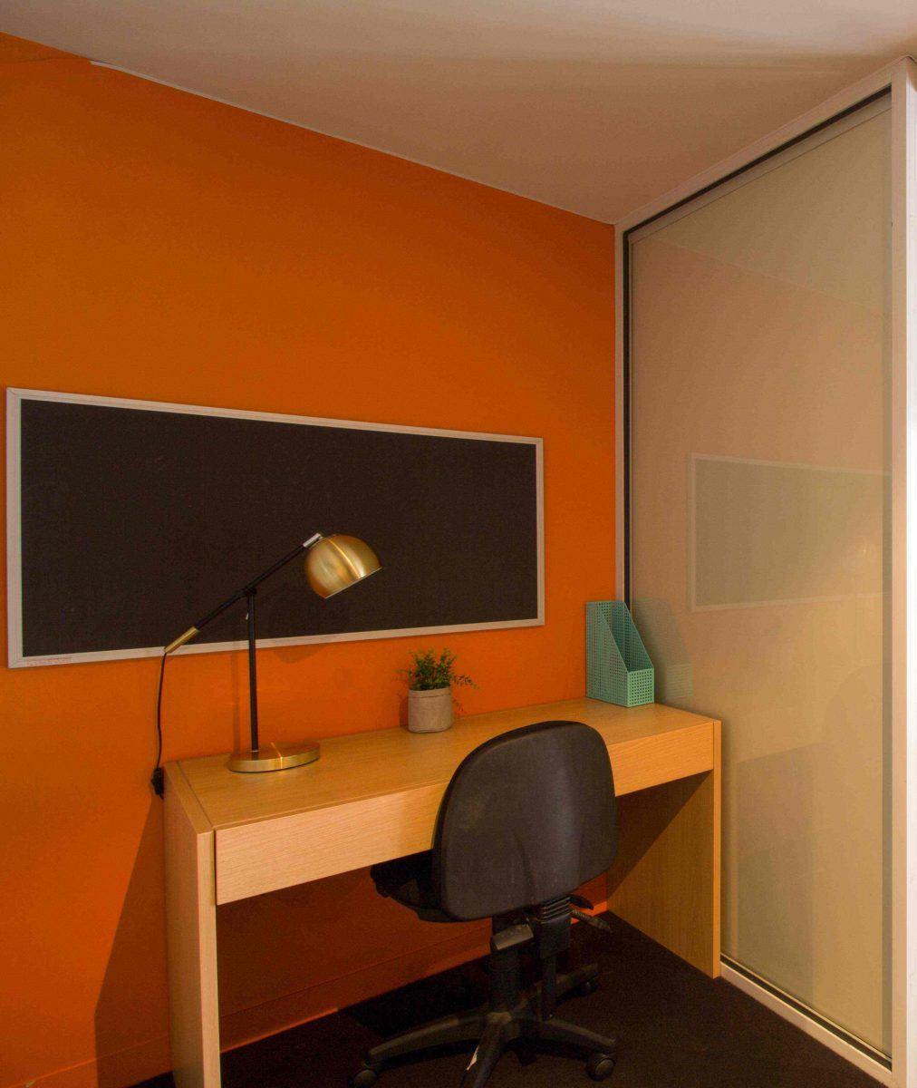 131PelhamStreetCarlton-Melbourne-StudyDesk-Unilodgers