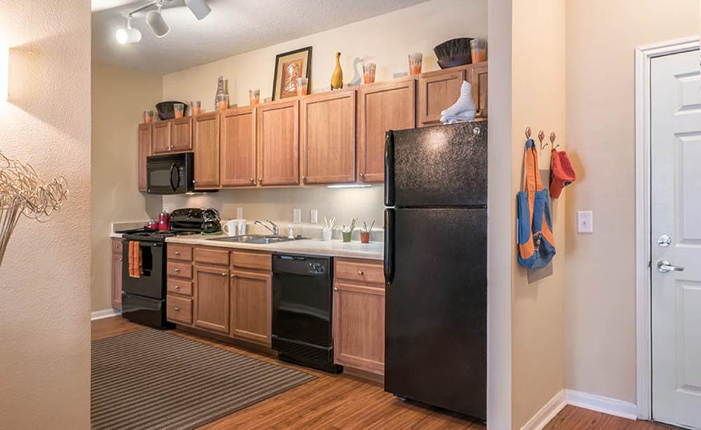 13th-Street-Gainesville-FL-Kitchen-Unilodgers