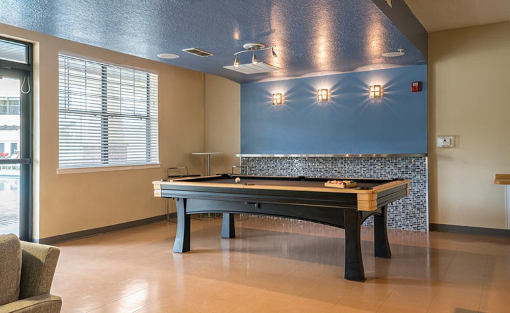 13th-Street-Gainesville-FL-Pool-Table-Unilodgers