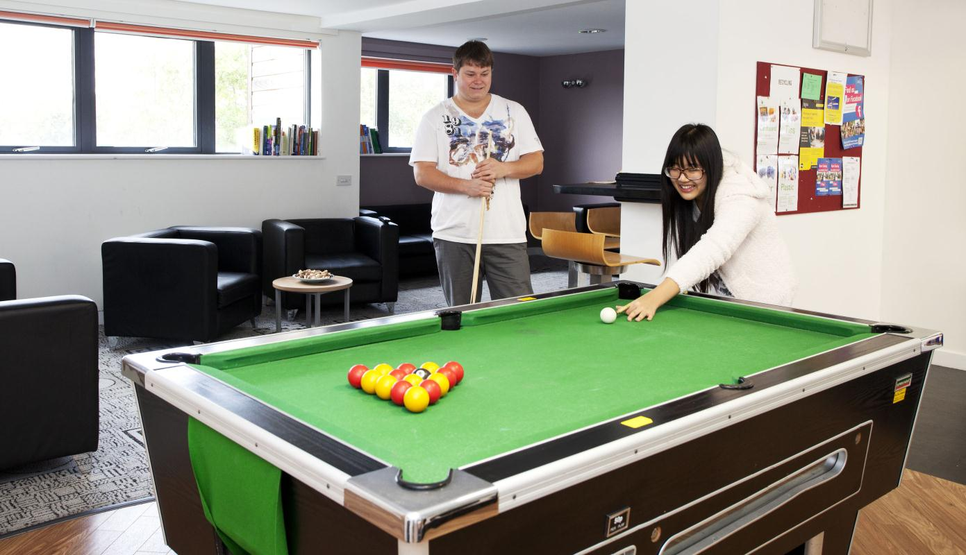Northfield-Exeter-Pool-Table-Unilodgers