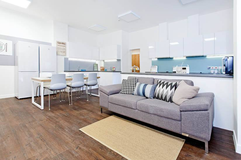 Clifton-House-Glasgow-Living-Area-Unilodgers