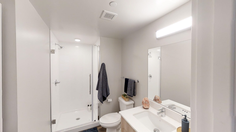 Rise-On-Chauncey-West-Lafayette-Bathroom-Unilodgers