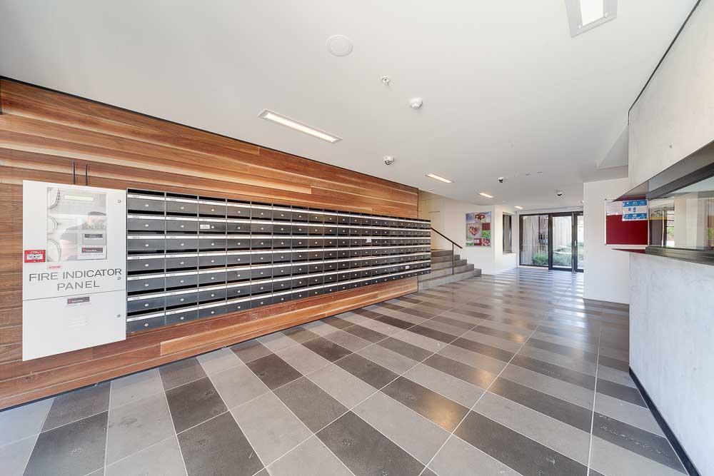 -Burwood-Highway-Melbourne-Standard-Reception-Unilodgers