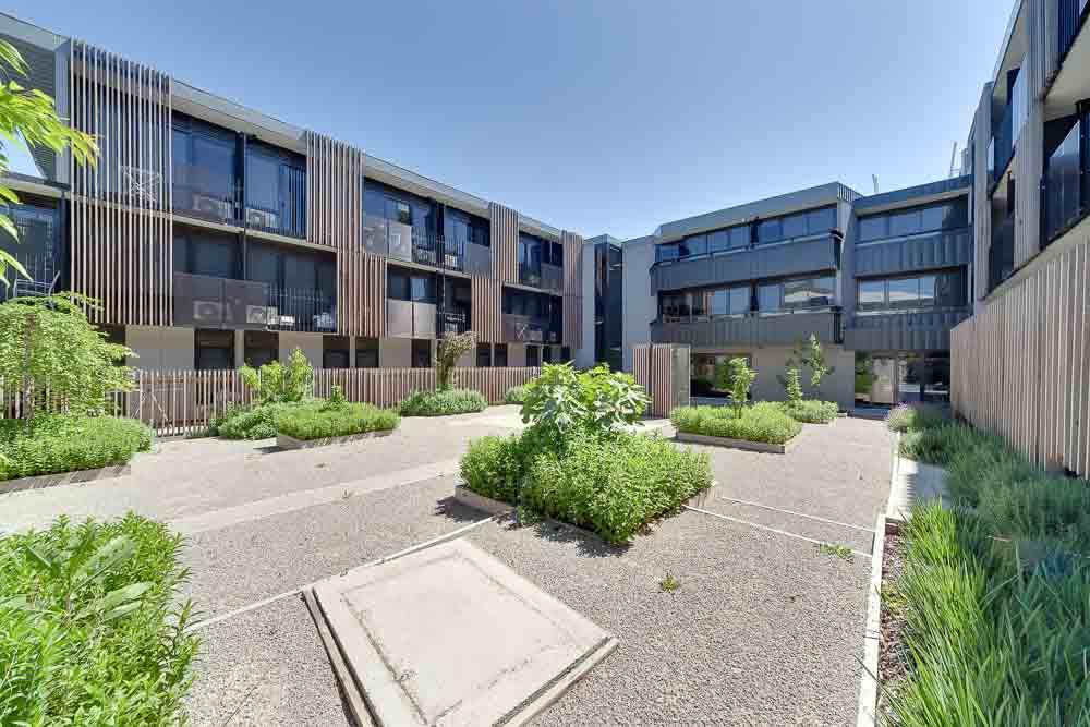 Burwood-Highway-Melbourne-Standard-Studio-Building1-Unilodgers