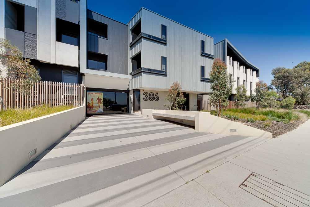 Burwood-Highway-Melbourne-Standard-Studio-Building2-Unilodgers