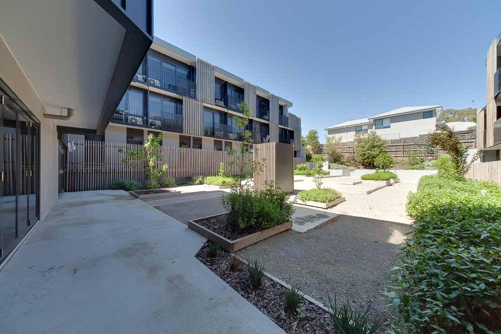 Burwood-Highway-Melbourne-Standard-Studio-Outdoor1-Unilodgers