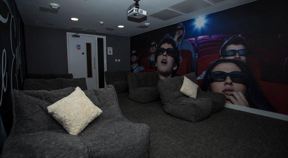 88-Bromsgrove-House-Birmingham-Cinema-Lounge-Unilodgers
