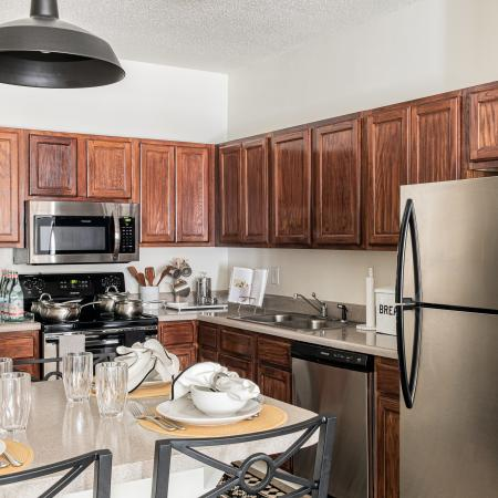 Carrollton-Crossing-Carrollton-GA-Kitchen-Area-Unilodgers