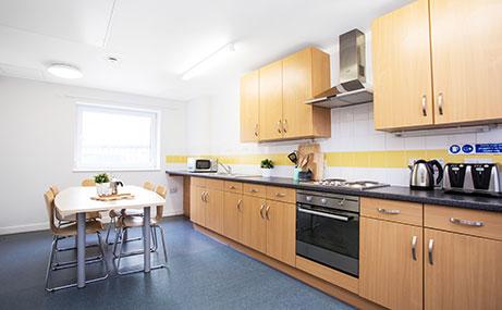 Harriet-Martineau-Birmingham-Kitchen-Area-Unilodgers