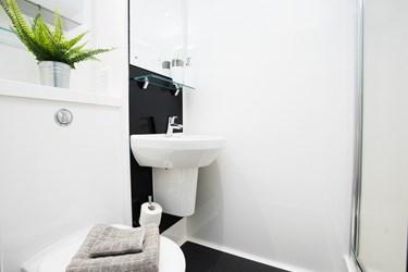 The-Old-Printworks-Edinburgh-Bathroom-Unilodgers
